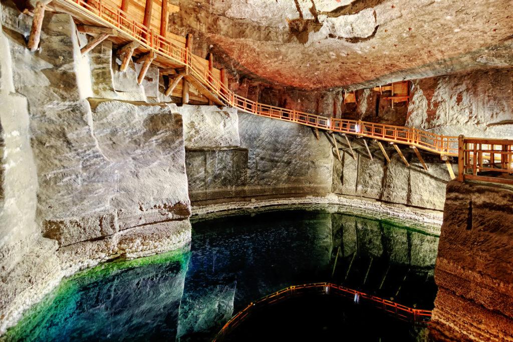 Underjordiska sjön i gruvan